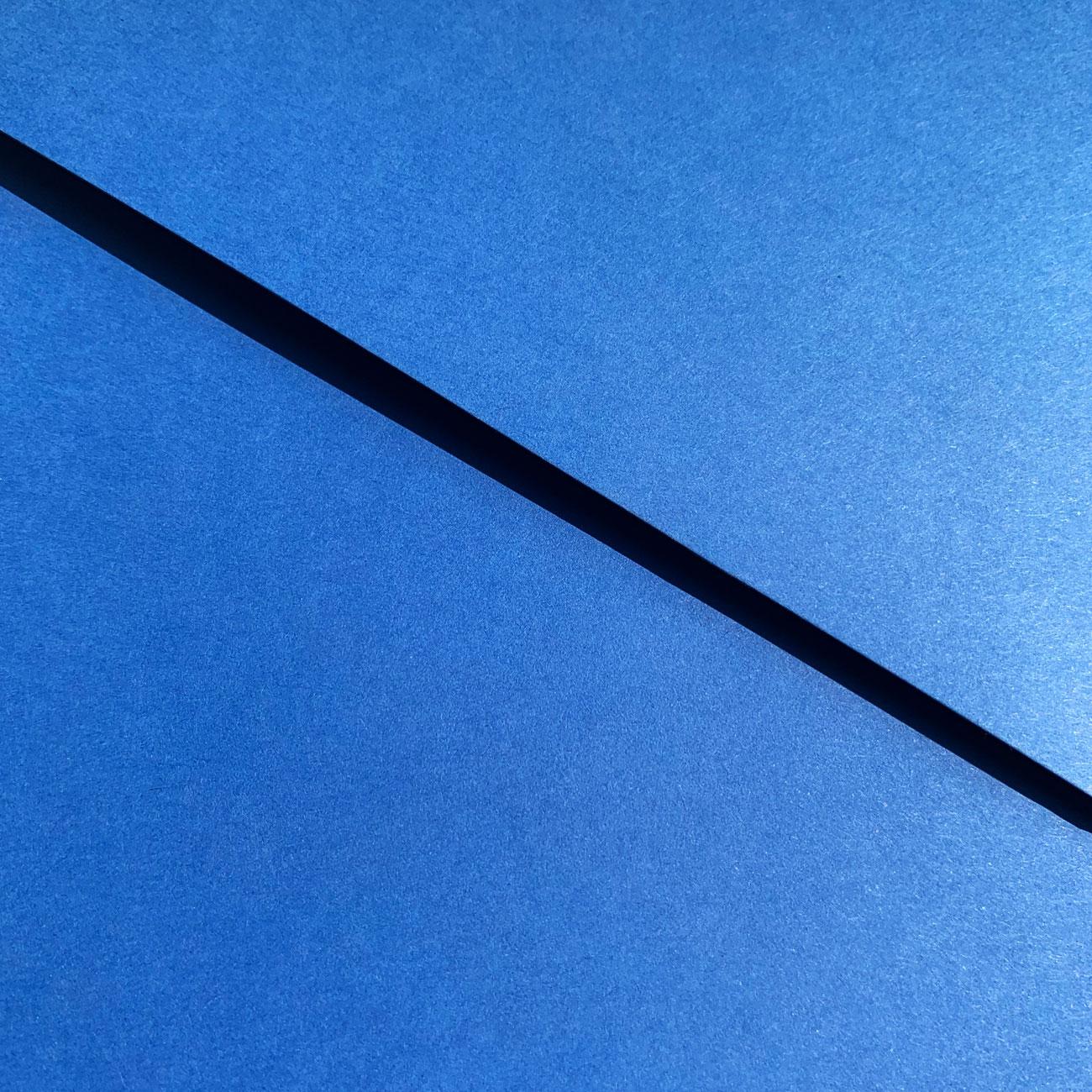 Schwartz, einfache Mappe, Klettpunktverschluss, blau