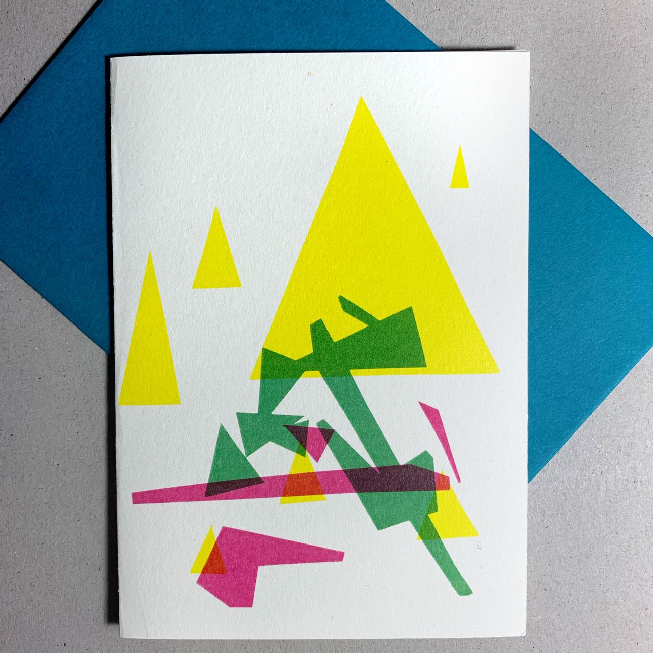 Klappkarte grafischer Baum, Gelbes Dreieck, Kuvert in Blau,