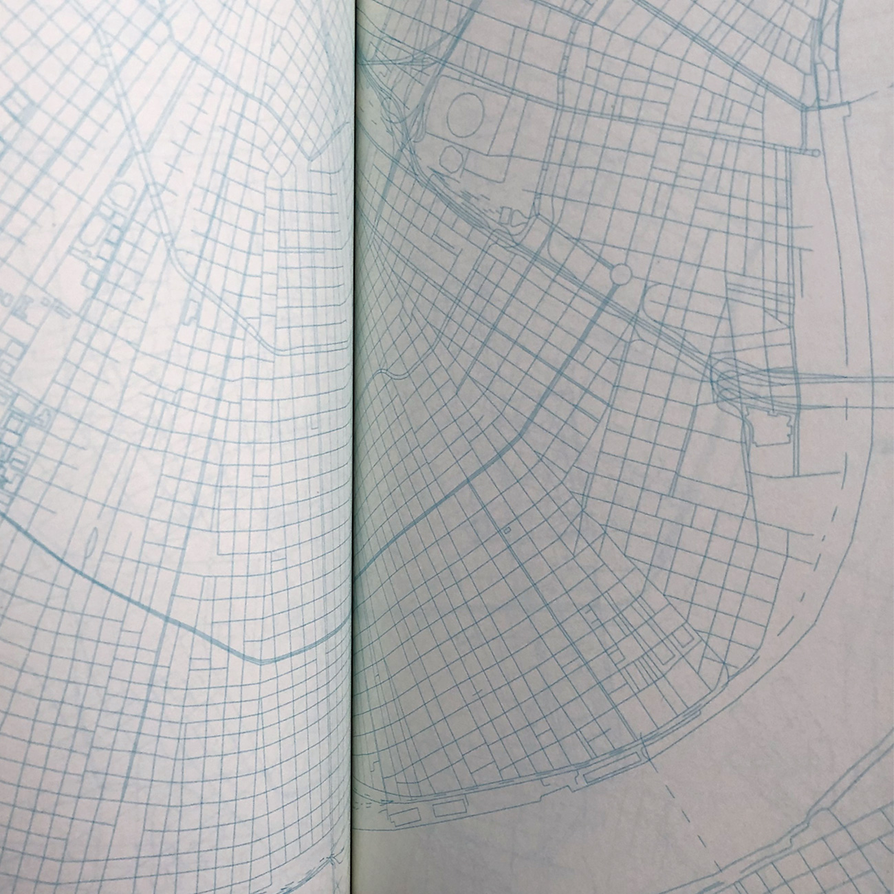Urban Gridded Notebook, blau linear gedruckte Stadtpläne der Welt,