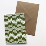 Esme Winter Klappkarte, grafisches Muster in Grün, mit Kuvert