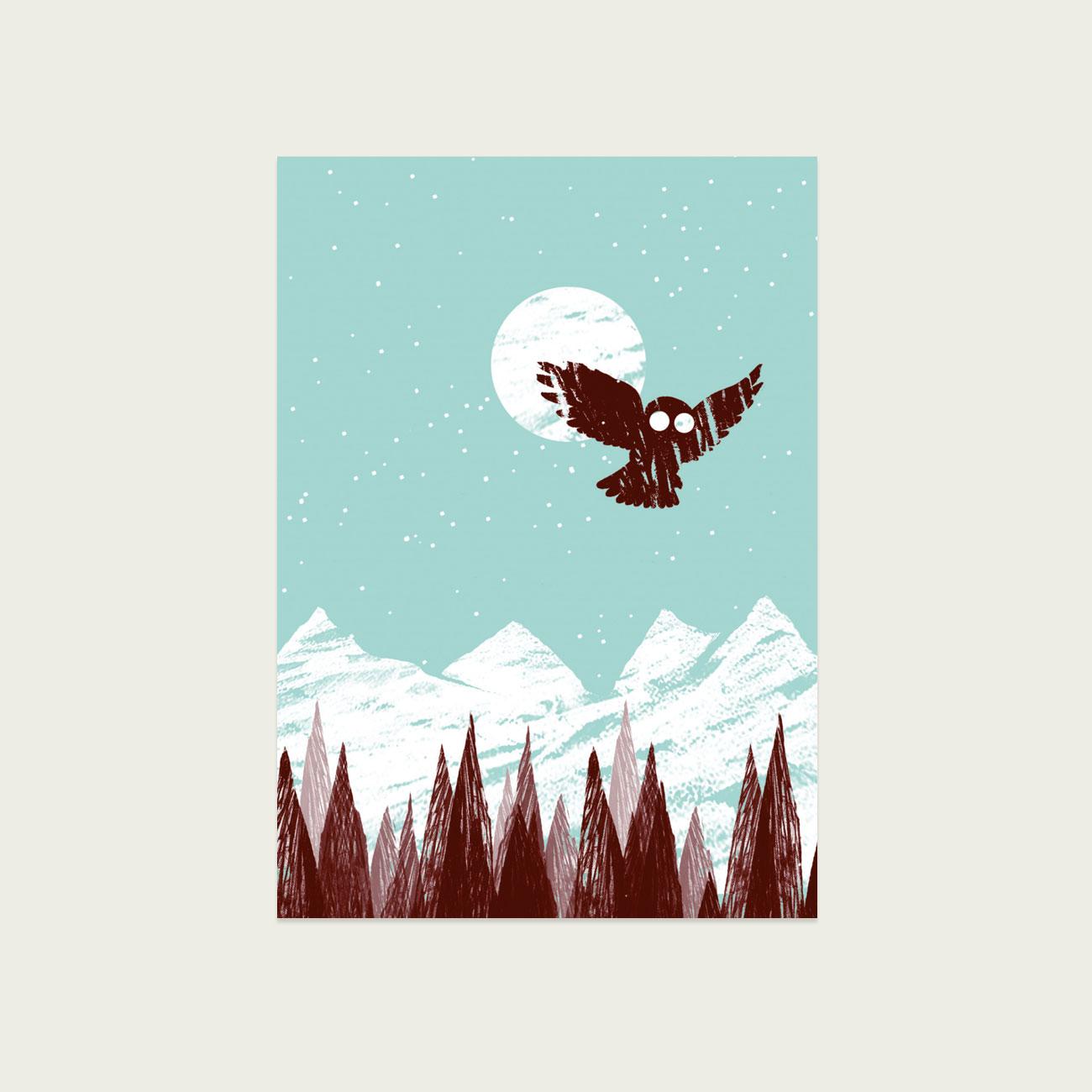 Wintereule, illustrierte Postkarte, Eule in Brauntönen fliegt vor Mond,