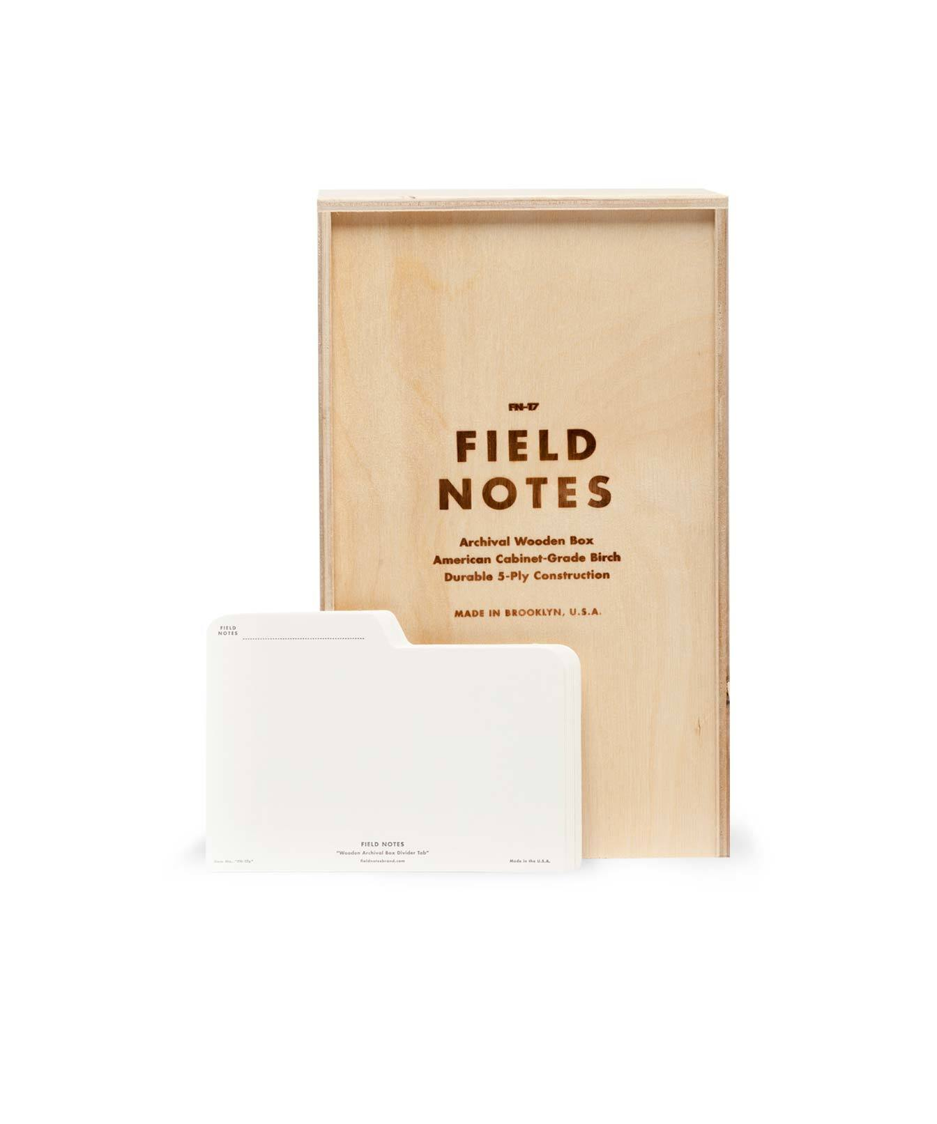 Field Notes Archival Box, Archivbox aus hellem Holz, Registerreiter,